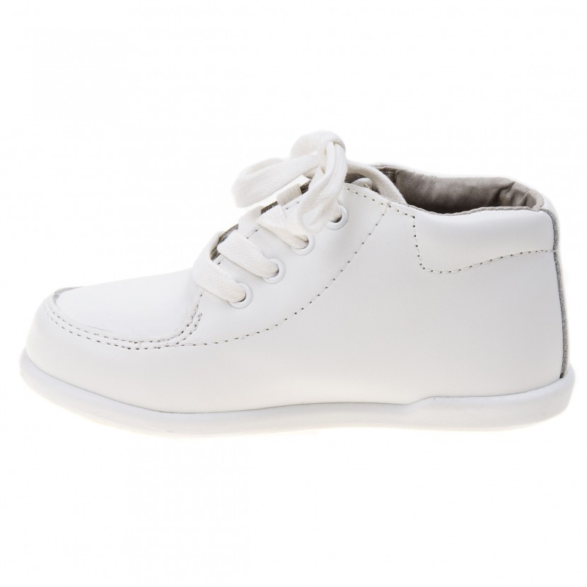 Smart Step Boys White Lace Up Closure Wide Width Walking Shoes 3 Baby-8 Toddler